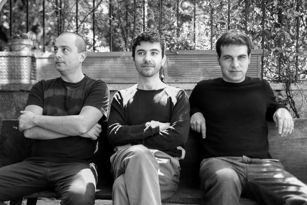ESTATICO Trio